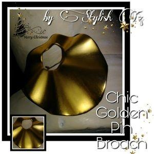 Jewelry - ♦🌸♦GOLDEN PIN BROACH